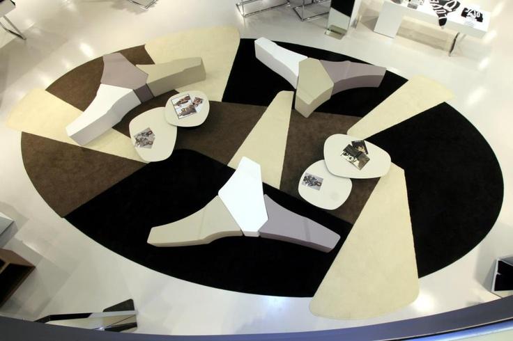 • Art Fabrica * Tappeti Moderni & Contemporanei > MODUL Tappeto in grande formato realizzato su misura con progetto personalizzato per esercizio commerciale • Art Fabrica * Modern & Contemporary Rugs > MODUL rug, another huge rug made on request for a big store