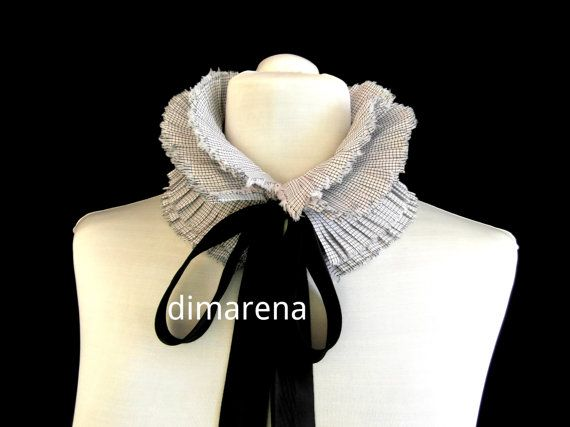 white in a small square collar// ruffle collar// by dimarena