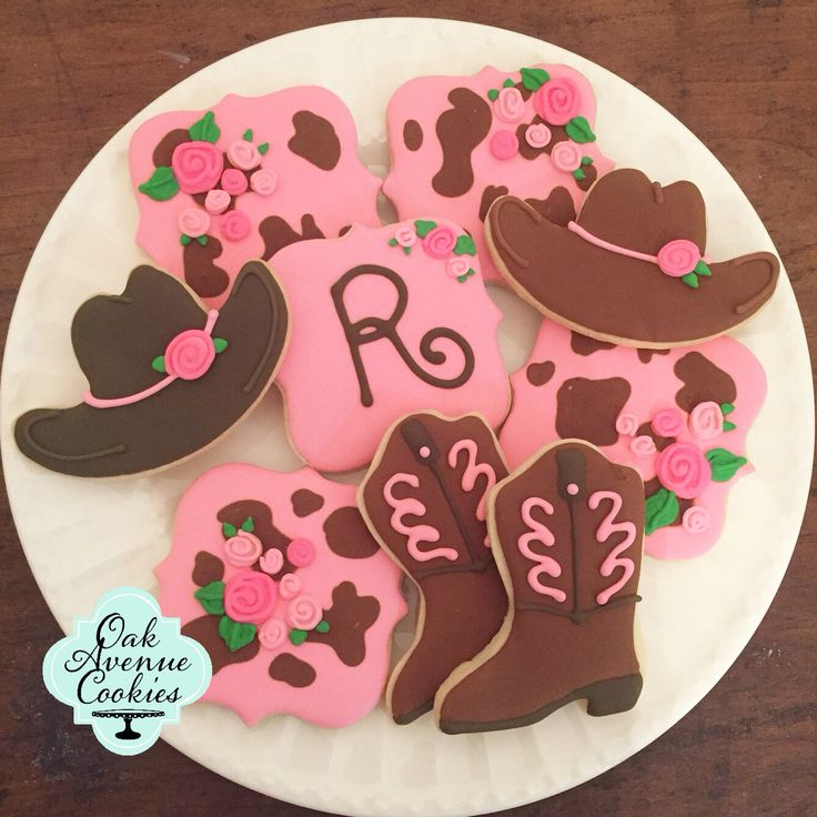 Cowgirl sugar cookie party favors. Western royal icing cowboy boots cowboy hat