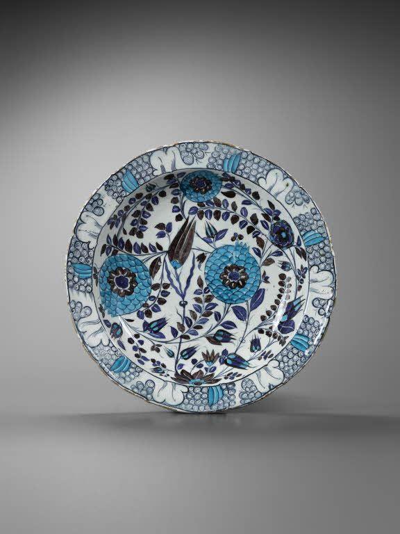 Plats vers 1545 - 1550 Turquie, Iznik Céramique, décor peint sous glaçure