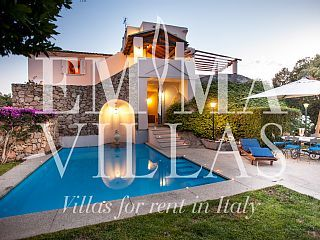 VILLA MARE 10 sleeps, splendid seaside villa in the centre of Porto Rotondo, Sardinia, with private pool balcony, garden, barbecue and outside living area   Holiday Rental in Porto Rotondo from @HomeAwayUK #holiday #rental #travel #homeaway