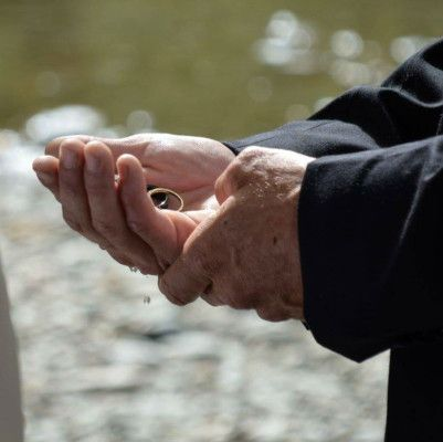 Wedding rings are bathed in water fresh from the Arrow River in this Arrowtown wedding ceremony #queenstownwedding #realwedding #newzealandwedding #arrowtownweddings #weddingrings #weddingceremony #realwedding #weddingprops #queenstown #arrowtown #arrowriver #river #riverwater #ringsceremony #ringblessing #weddingringblessing #groom#queenstownmarriagecelebrant #yourbigdayqt #yourbigdayyourway #lovemyjob