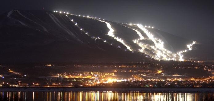 Mont-Sainte-Anne night skiing