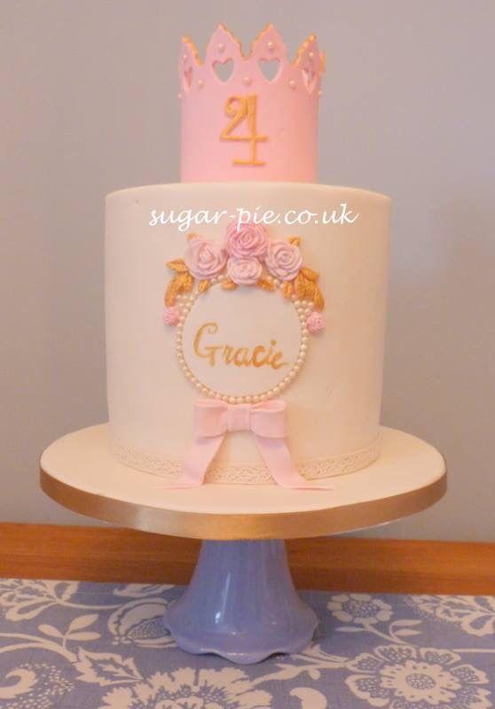 Simple tiara cake