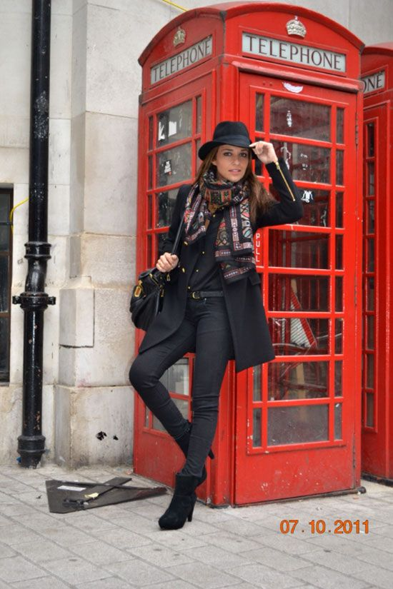 Paula Echevarría (Tras la pista de Paula)Style Boards, Winter Style, Street Style, Totally Black, London Tours