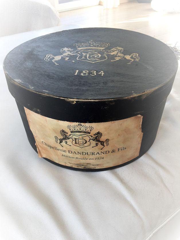 Schachteln - Hutschachtel schwarz- gold vintage brocante shabby - ein Designerstück von verfilzt--angenaeht bei DaWanda
