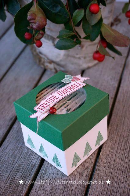 Stoff und Stempel / Weihnachtliche Geschenkbox mit Minikärtchen / Gestickte Weihnachtsgrüße / Stampin'Up!
