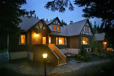 Banff Boutique Inn - perfect for intimate ceremonies or guest accommodations!