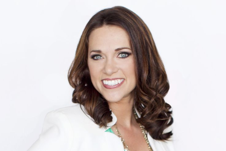 030 - From Cheerleader to Millionaire Following Her Heart - Kelly Roach - Unstoppable Success Radio
