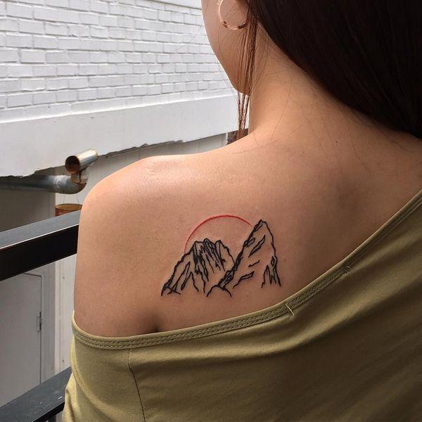 Mountain Tattoo Design-Idee