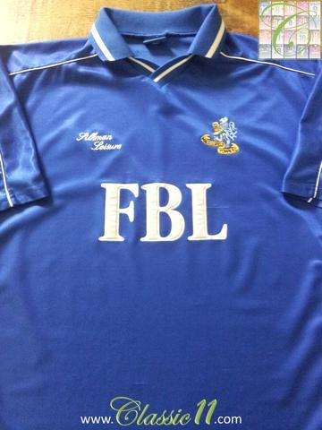 Relive Macclesfield Town's 2000/2001 season with this original Silkman Leisure home football shirt.