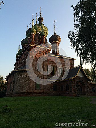 This church is the most beautiful church in Russia you could see it on 1000 rubles