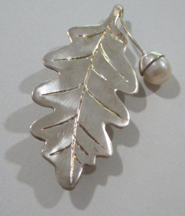 Brosch/Rintaneula/Brooch -  Eklöv. Silver, Lagercrantz Jewellery. 95€ #EKTAMuseumcenter #Ekenäs #Tammisaari #Eklöv #Smycke #Brosch #Jewelry