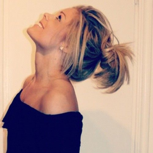 Cool messy bun. Love her color too