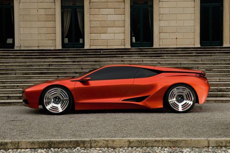 История концептов BMW - M1 Hommage (2008) http://bmwguide.ru/bmw-concept-2002-hommage/ На выставке Concorso d'Eleganza Villa d'Este 2008 был представлен первый концепт BMW серии Hommage. Таким образом в BMW решили отметить 30-летие модели M1. В прошлом это был абсолютно спортивный, бескомпромиссный автомобиль, и BMW совместила в своём концепте его спортивные качества с современными технологиями и дизайном. В нём сочетаются прежние рациональность и страсть в современной интерпретации и…