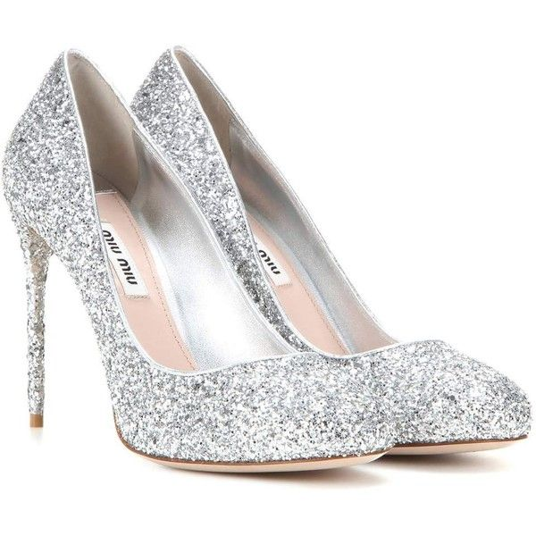 Miu Miu Glitter Pumps (17.315.515 VND) ❤ liked on Polyvore featuring shoes, pumps, heels, sapatos, silver, glitter shoes, glitter pumps, miu miu, silver heel pumps and silver heeled shoes