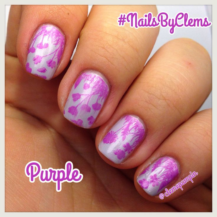 """Hi there! This is my entry for #moyou20k #purple  used #stampingplate """"Mother Nature"""" 01 with """"Bette"""" by @julepmaven over """"Lavender Soap"""" by @revlon Hope You like it! #nails #notd #nailart #nailgasm #nailsdid #nailartwow #nailjunkie #nailstagram #nailartchile #nailsbyclems #nailartdaily #notd365nailart #glam #lilac #lavender #floral #flowers #uñas #unhas"""