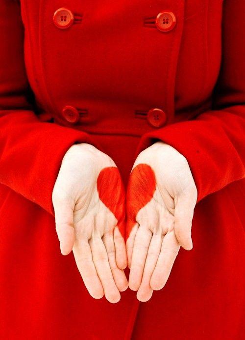 le cœur sur la main