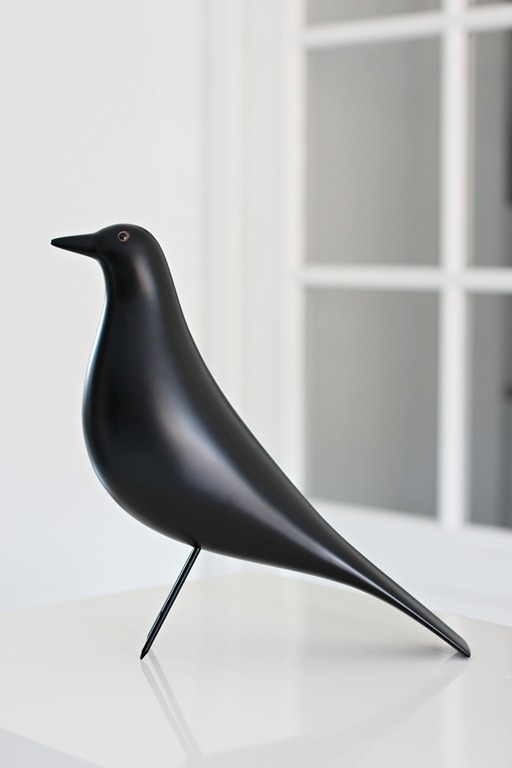 Eames House Bird by Vita Pris: ca. 1400 kr.