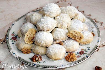 Di gotuje: Śniegowe kule - zimowe ciasteczka mocno orzechowe