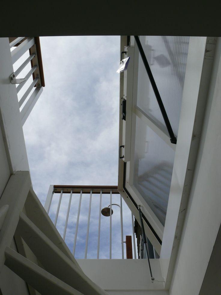 Vaste trap naar een dakluik geplaatst door for Van vlizo naar vaste trap