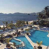 Copacabana - A favorite hotel....Acapulco...shopping nearby....still own several pieces of jewelry from the shops
