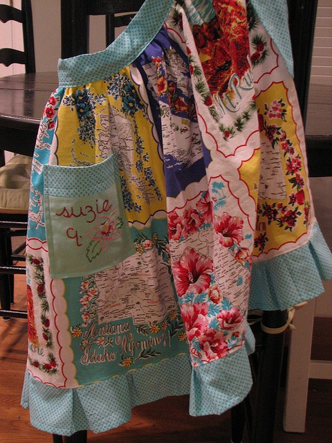 apron made of old hankies - LOVE!