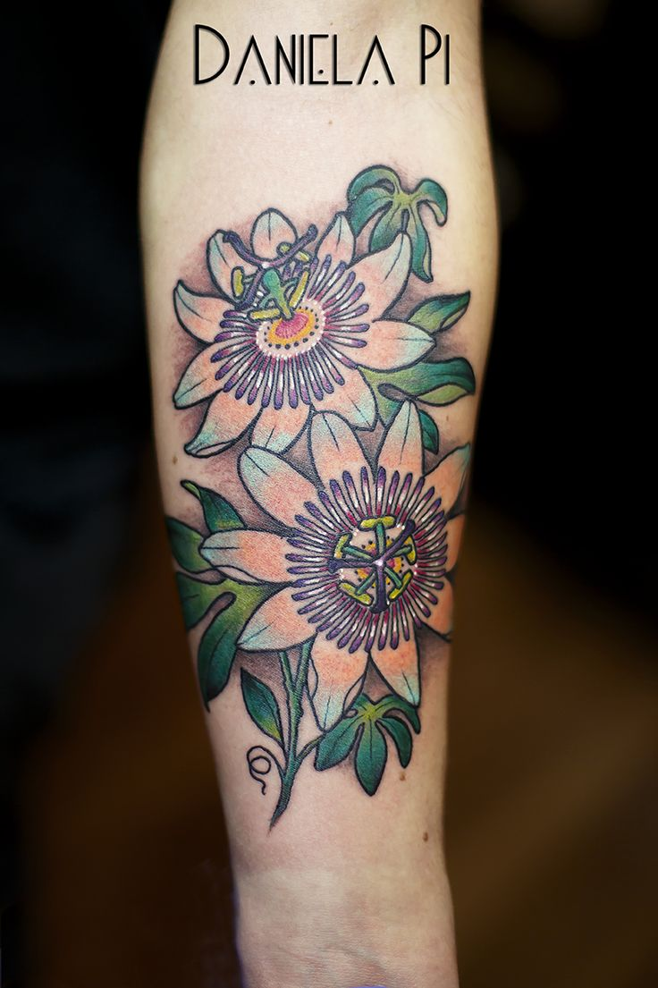 Passion Flower Tattoo by Daniela Pi ,done @ Evil Machines Tattoo _ Roma #newtraditional #neotraditional tattoo