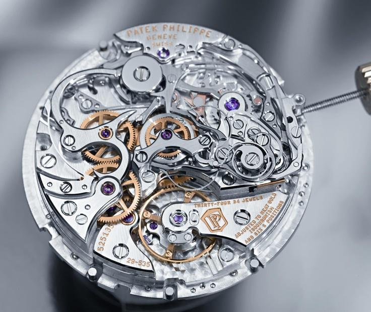 """Patek Philippe - Il calibro CHR 29-535 PS Q, che equipaggia il nuovo Grande Complicazione cronografo """"à rattrapante"""" con calendario perpetuo (Ref. 5204). Trattasi di un movimento meccanico a carica manuale (diametro di 32 mm, spessore di 8,7 mm, 34 rubini, 28.800 alternanze/ora, bilanciere Gyromax, spirale tipo Breguet).: Beautiful Complicated, Luxury Watches, Mechanical Watches, Watches Movement, Patek Philippe, Angel Cards, Complicated Mechanical, Chronograph Movement, Fun Time"""