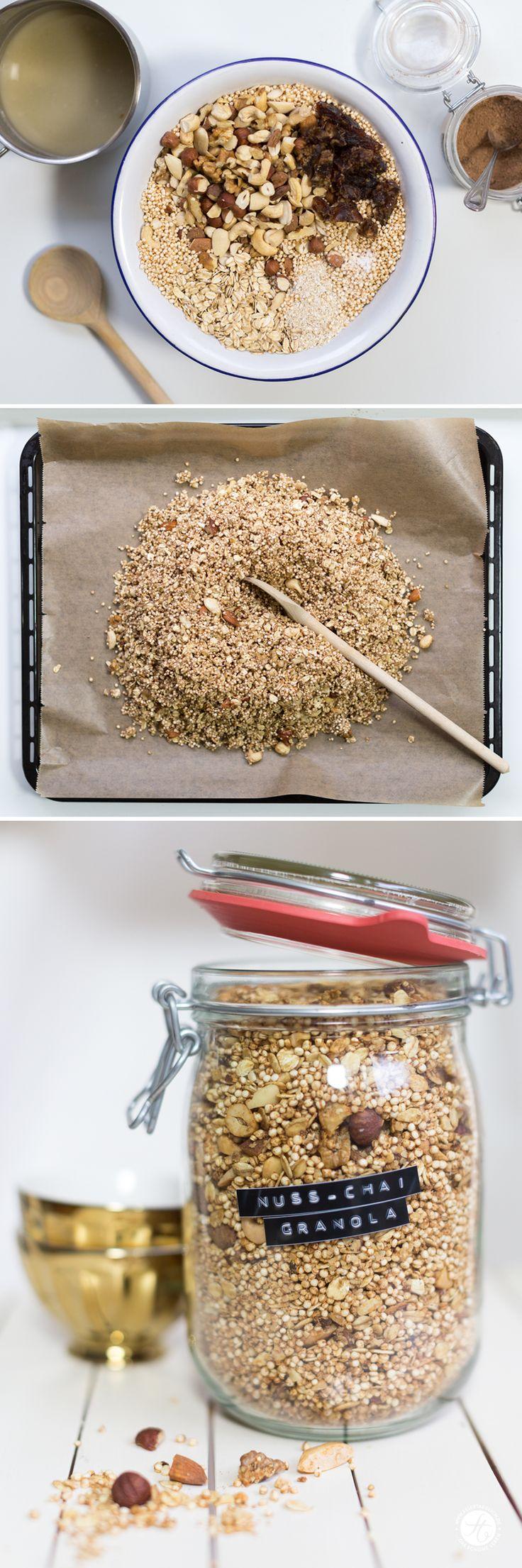Nuss-Chai-Granola, Rezept für zuckerfreies Knuspermüsli mit Nüssen und Chao-Geschmack von feiertäglich.de, Zubereitung