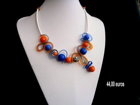 collier perle de verre et silicone