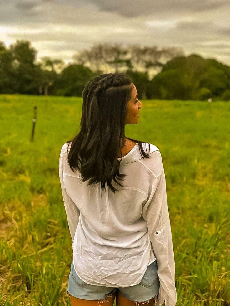 Pin de Thami Martins em fotos | Poses femininas, Ensaio fotografico feminino, Fotos ao ar livre