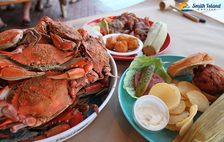 A delicious dinner is served at Captain Tyler's Crabhouse!