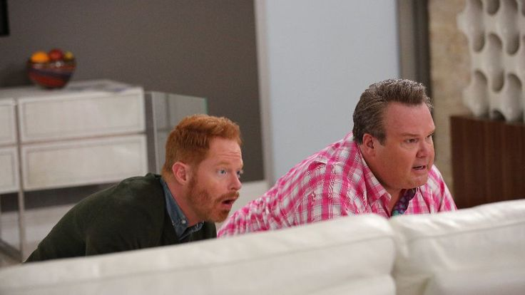 """""""Phil's Sexy, Sexy House"""" · Modern Family · TV Review Misunderstanding is Modern Family's best friend · TV Club · The A.V. Club"""
