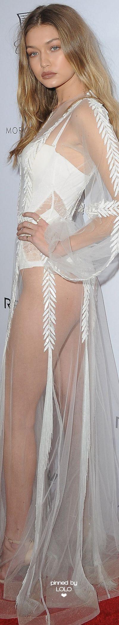 Gigi Hadid Daily Front Row Awards   LOLO❤︎