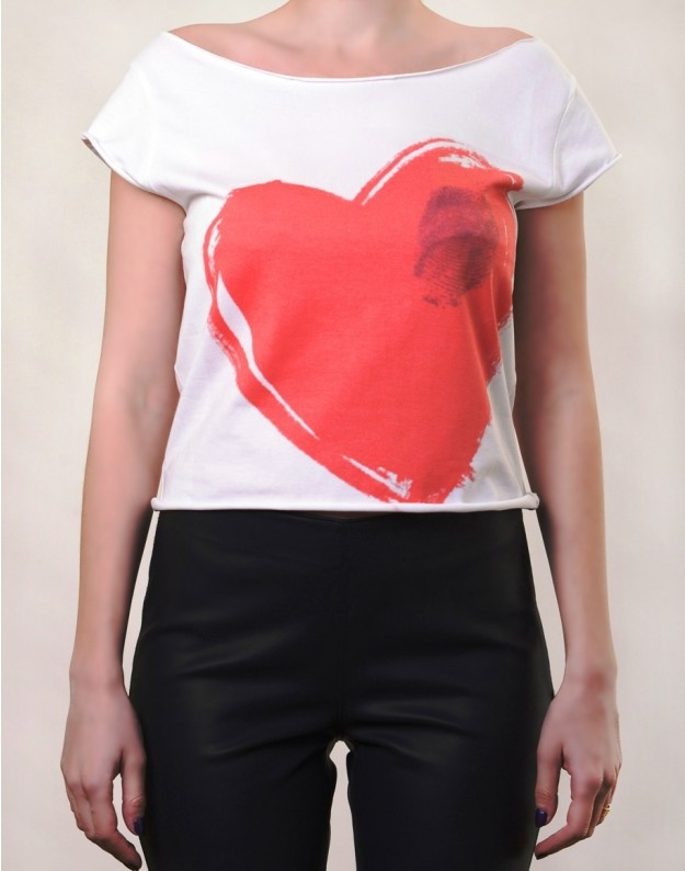 Hearted Touch T-Shirt  http://www.hotncool.ro/femei/hearted-touch-tricou.html