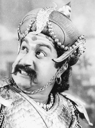 Sivaji Ganesan as Kattabomman