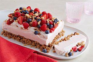 Dessert glacé au yogourt et aux petits fruits