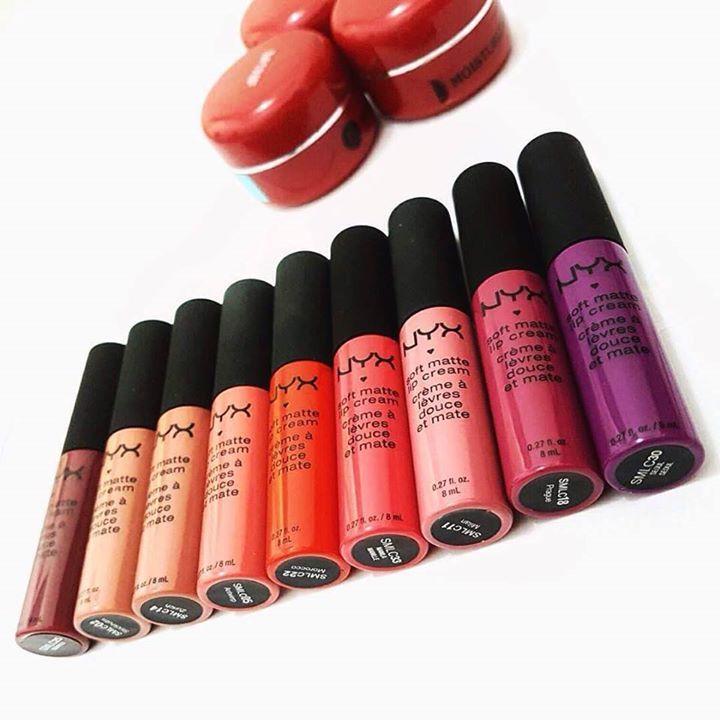 """Hari ini adalah hari terakhir promo 2 Soft Matte Lip Cream seharga Rp 200.000,- di Lazada, lho! Jangan lupa gunakan kode: LZDNYXLIPS saat memesan, beauty junkies.  Inget, kalau kata @nurainihesti (Instagram): """"Soft Matte Lip Cream  bisa bikin hidup warna-warni biar ga monoton""""! :D  #NyxCosmeticsID #LipFestivalPop #makeup #followback #beauty"""