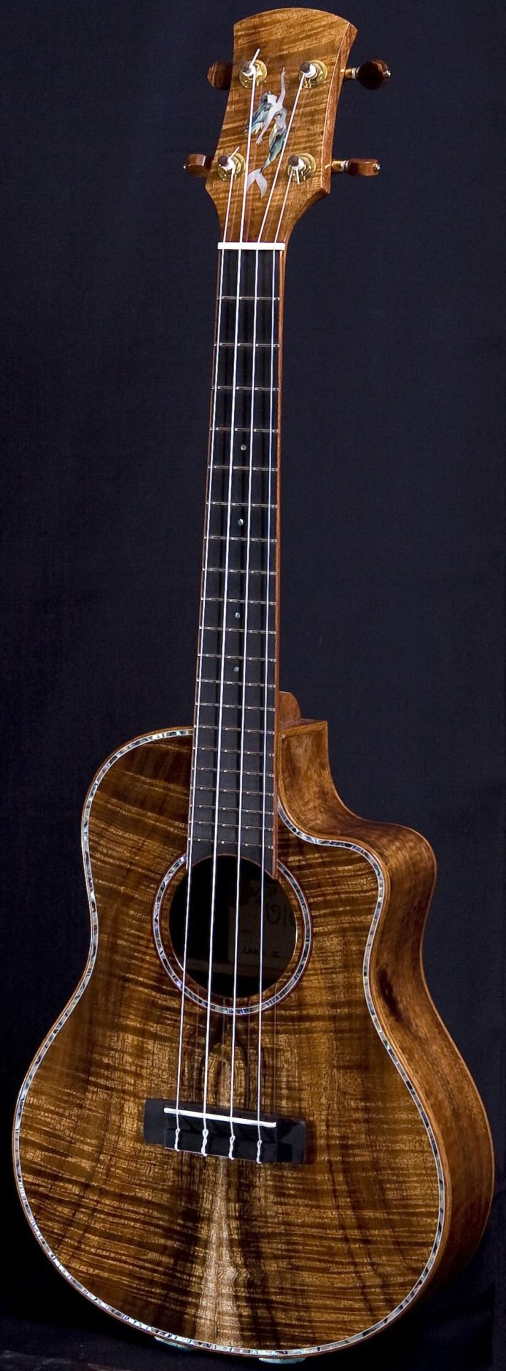 lardyfatboy: Uluru Lehua IIIc The Mermaid Tenor =Lardys Ukulele of the day - a year ago --- https://www.pinterest.com/lardyfatboy/