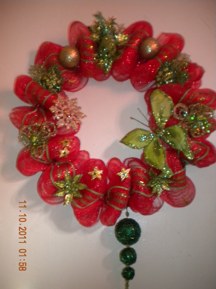 This is from The Blushing red, Shimmering gold and Emerald green Collection !!!!