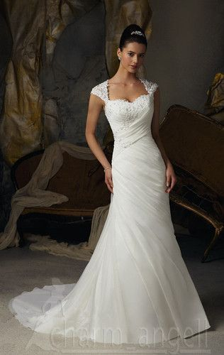 29 Best Wedding Dresses For Busty, Apple-shaped Figures