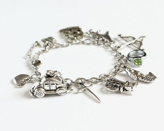Hey, I found this really awesome Etsy listing at https://www.etsy.com/listing/100216184/ouat-characters-charm-bracelet