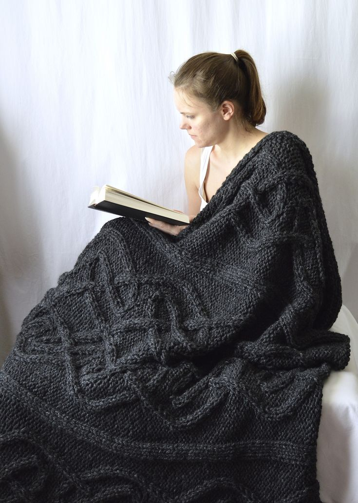 Make this gorgeous cabled blanket with Lion Brand Wool-Ease Thick & Quick!
