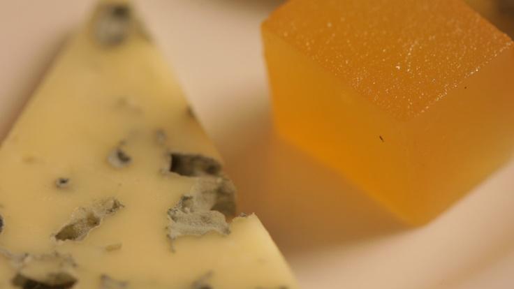 Por si os quedáis con hambre. Queso la Peral con dulce de manzana Zarracina, de las tierras de Asturias. Plato de las Jornadas Premium.