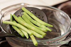 Cook Fresh Green Beans Step 1Bullet4.jpg