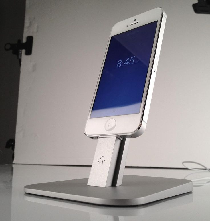#TBT to our first ever #HiRise shoot in 2013! This awesome little stand may have gotten a makeover in 2016 but it's still the best charging stand out! #accessories #gadgets #appleonly #beautyoftechnology #throwbackthursday