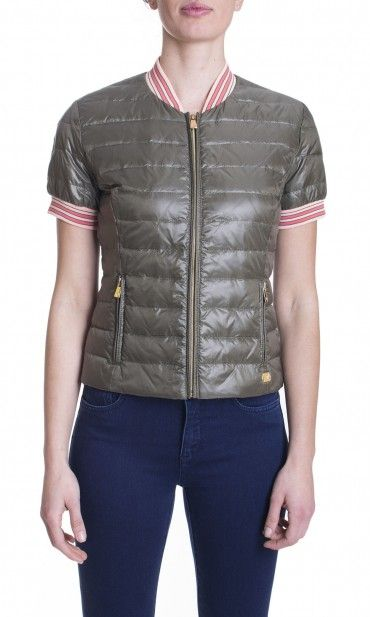 http://www.dursoboutique.com/store/5255-thickbox_default/trussardi-jeans-piumino-manica-corta.jpg