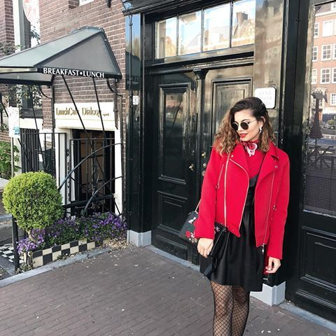 This outfit was definitely matching perfectly every corner ✨❤️ have you ever been to this gorgeous city called Amsterdam? #Buonissima #Travel