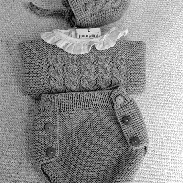 Y esta semana hemos apostado por el color gris. Conjunto de ochos, ranita, jersey camisa y capota. #mascolores #hechopormiparati #niños #hechoamano #gris #ochos #conjuntos #bebes #kids
